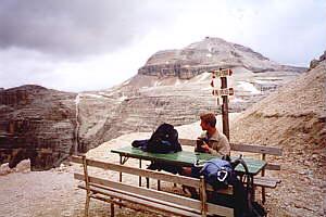 Durch die Sella zur Friedrich August-Hütte (2298m) – 28.06.2000