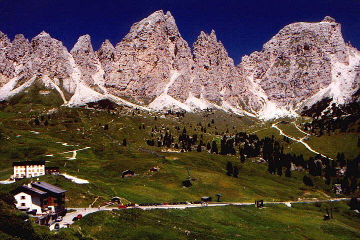 Durch das Grödner Joch zur Pisciadu-Hütte (2585m) – 27.06.2000